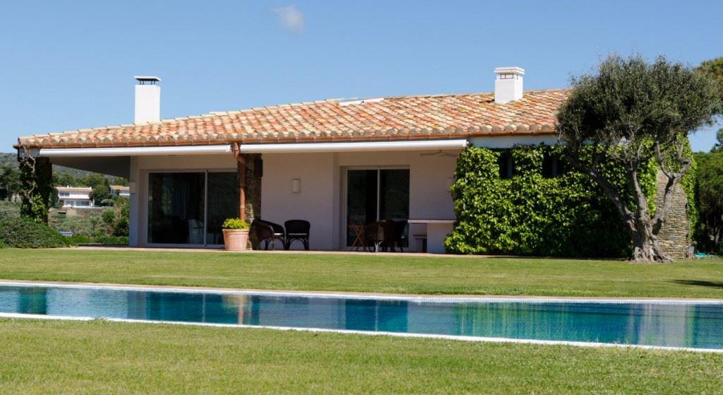 Maisons eugie constructeur de maisons individuelles for Constructeur piscine landes